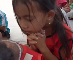 절망속의 캄보디아 바탐방 아이들에게 사랑을 전해주세요!